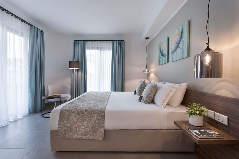 elegante camera da letto arredata su misura da pianca